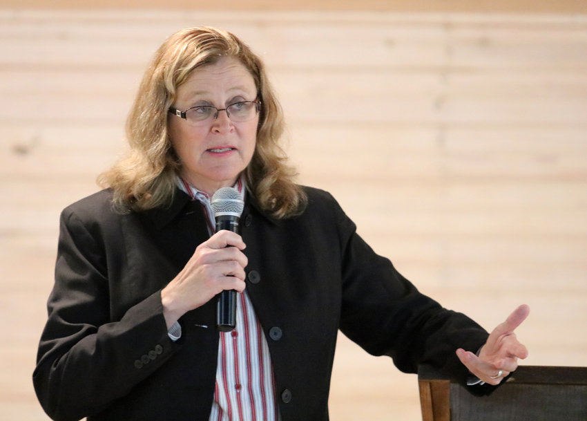Sealy Mayor Janice Whitehead gives a State of the City address during a Governmental Luncheon meeting of the Sealy Chamber of Commerce at Liedertafel Hall on Nov. 6, 2019.