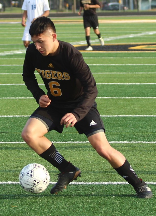 Ricky Avila (6) put up double-digit goals last year for the Tigers and will be looked upon to provide similar production this year with Sealy on the hunt for another lengthy run in the postseason.