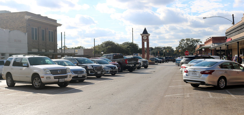 A proposal to remove 31 parking spaces out of the middle of Main Street in Sealy has many downtown merchants upset.