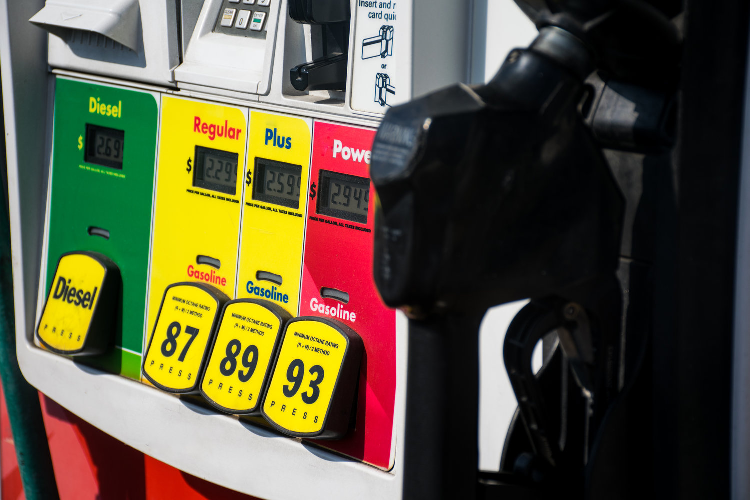 AAA: Gas Prices Continue Downward Trend