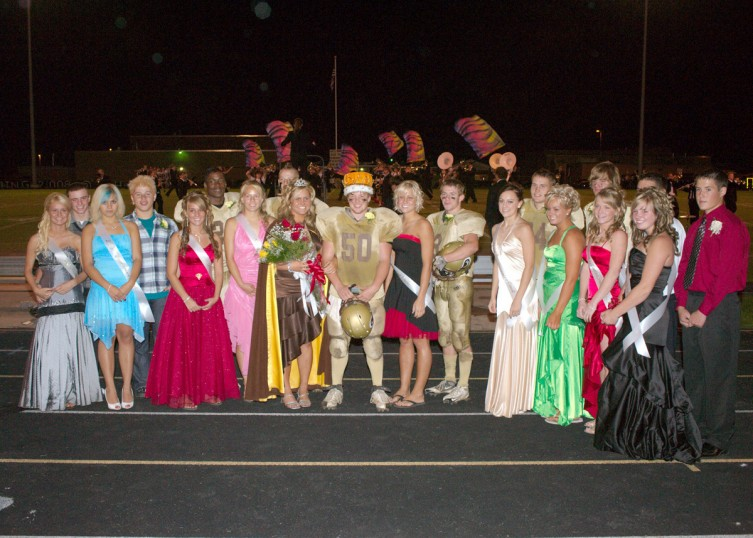 The 2008 homecoming court.