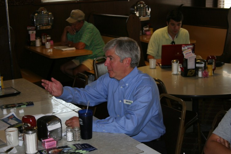 Republican candidate for Governor Rick Snyder stopped by Wheelers restaurant today in Standish.   He sat down to talk with local business owners and Arenac County campaign heads  Jim and Kelli Shaw of Sterling, along, with Kelli's mom Debra Drzewicki of Bay City.  They talked business over coffee at 10 a.m. this morning.