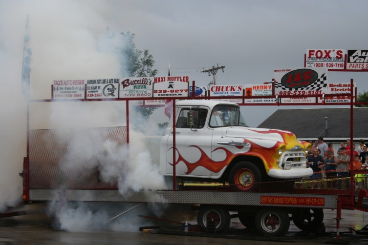 A number of contestants competed in the burnout contest after the cruise was completed.