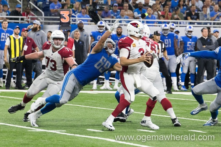 Anthony Zettel cues in on Arizona Cardinals quarterback Carson Palmer as he goes in for the sack during the Lions first home game of the 2017 season. Zettel was waived by the Lions Wednesday.