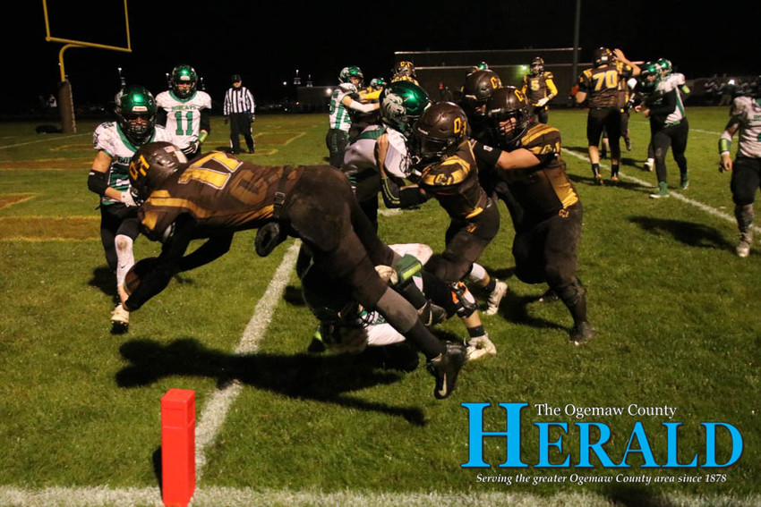 Jony Moore dives for a touchdown.