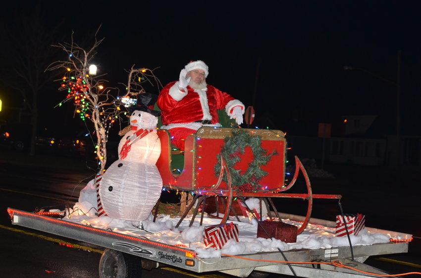 Last year, Santa rode through the parade.